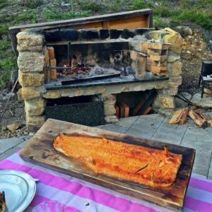 Urhon grilliltä / Aus Urhos Grill